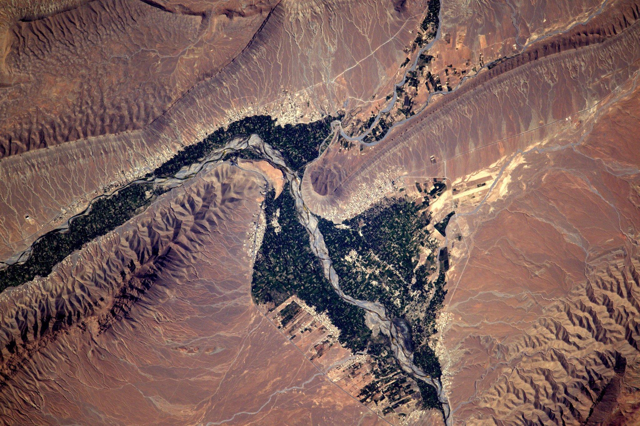 Le village de Merzouga situé au Maroc.